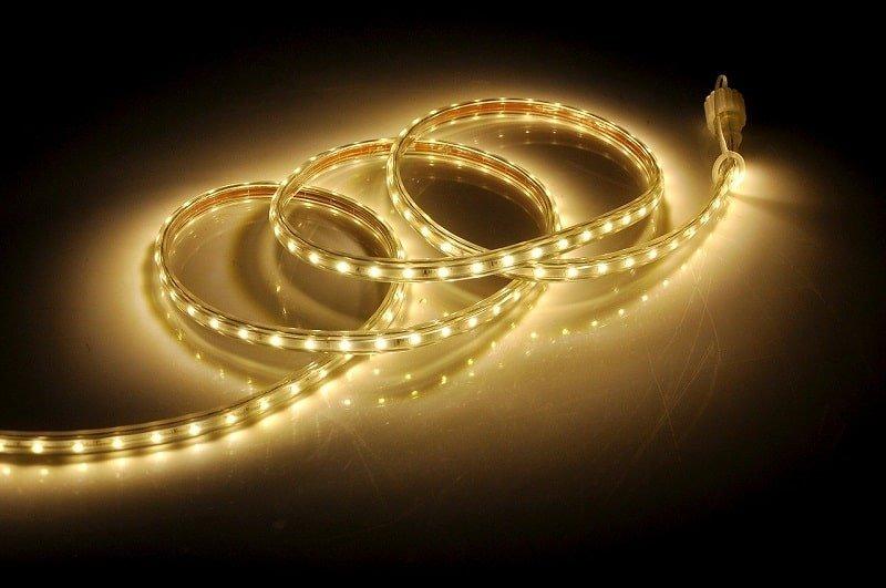 Festliche-Dekoration-LED-Streifenleuchten