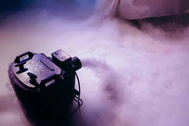 Alles über Nebelmaschine - Fluide, Fogger & Hazer