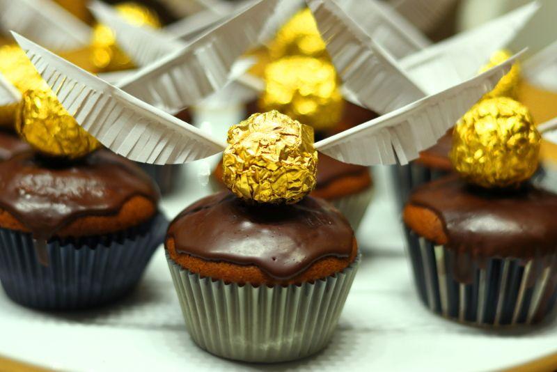 Schokoladenmuffins mit Harry Potter Dekoration