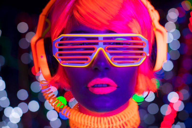 Glow-UV-Neon-sexy-Disco-weibliche-Cyber-__Puppe-Roboter-elektronisches-Spielzeug