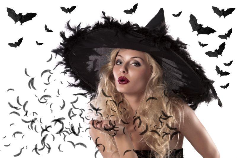 Portrat-einer-niedlichen-und-sexy-Hexe