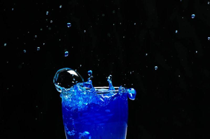 blaues-Eiswasser-min