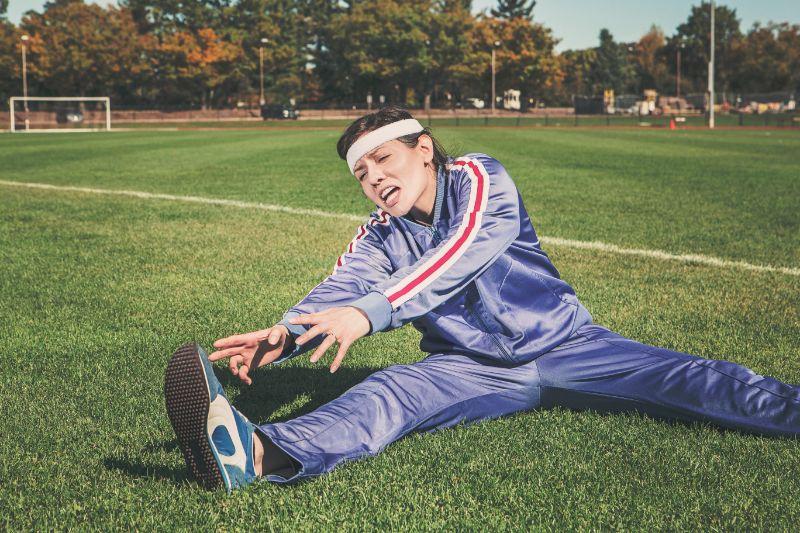 Sportfrau-die-sich-fur-den-Sport-aufwarmt