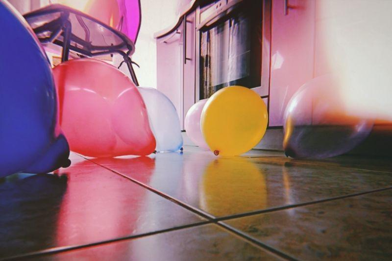 ballons-auf-dem-boden