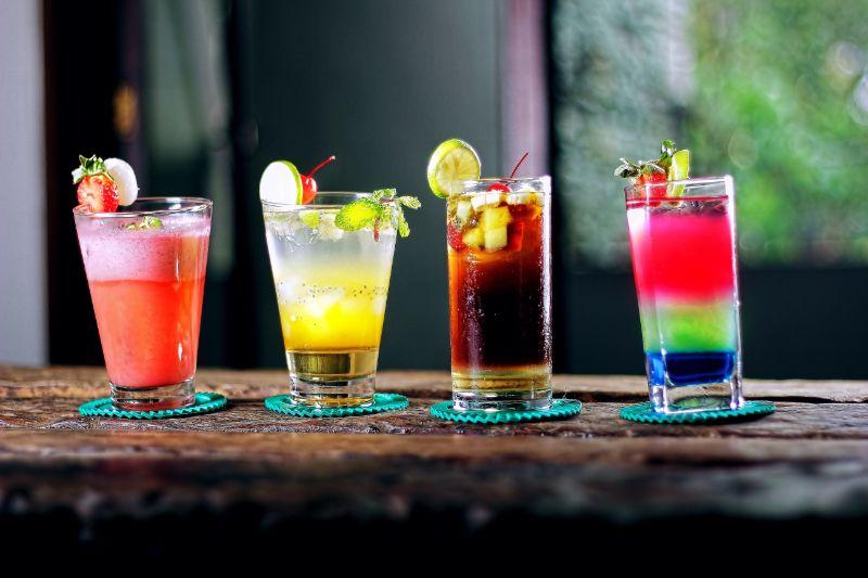 verschiedene-Cocktails