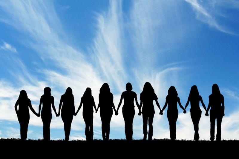 Freundschaft-Frauen-halten-zusammen