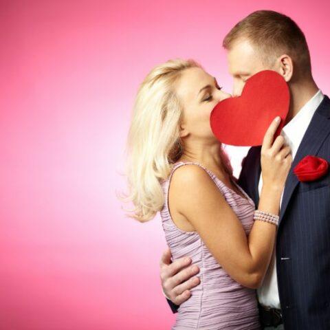 Liebeskuss, verliebtes Paar, Valentinstag