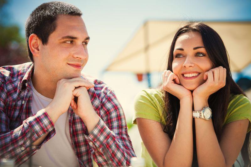 Paar-bei-einem-ersten-Date