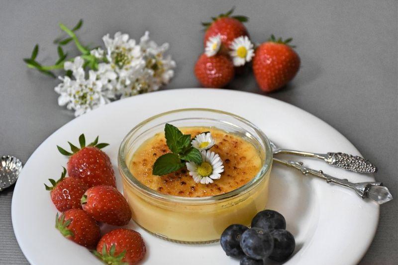 Karamell-Dessert-Erdberen