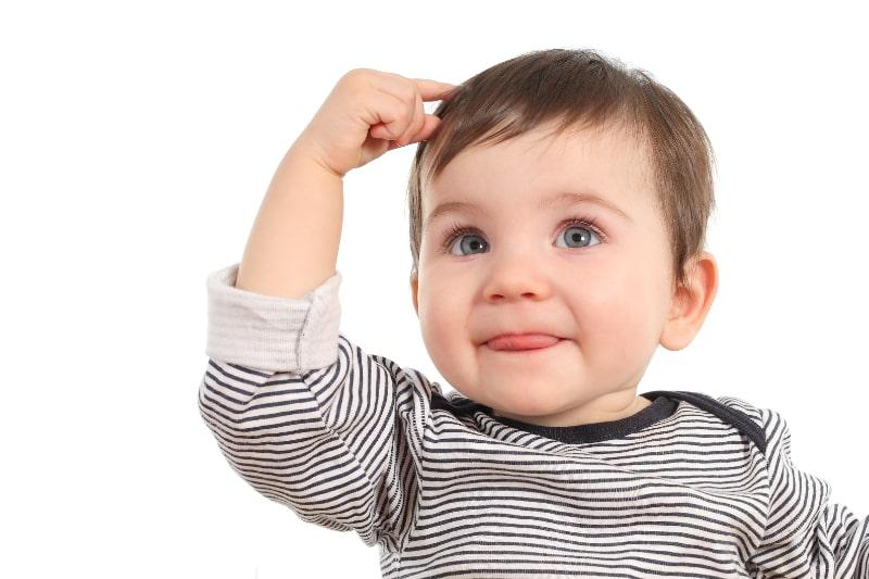 Baby-denkt-eine-Idee