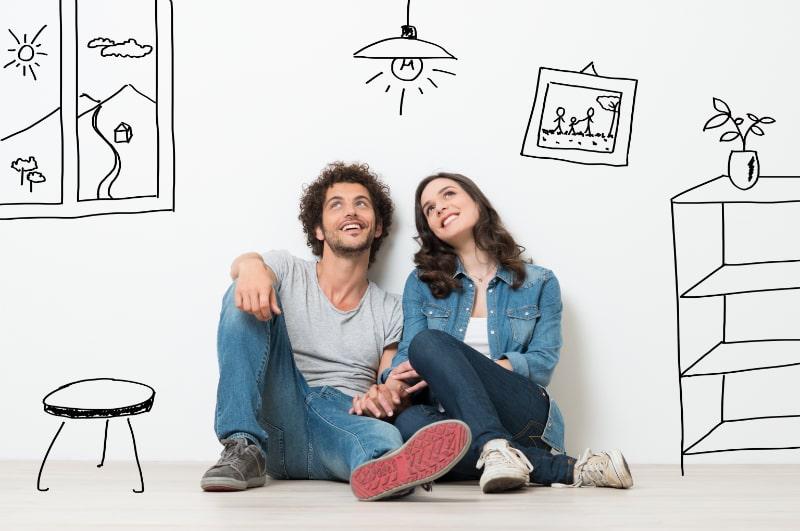 Glückliches Paar träumt neues Zuhause