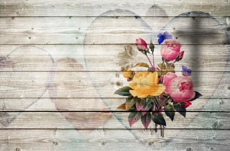 Blumen-im-Herzen-auf-Holz