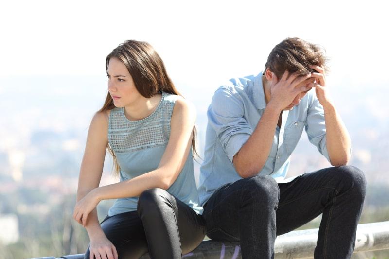 Boses-Madchen-das-mit-ihrem-Konzept-zur-Trennung-von-Paaren-streitet