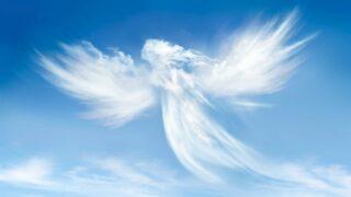 Engel in den Wolken